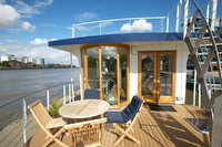 Christophers houseboat